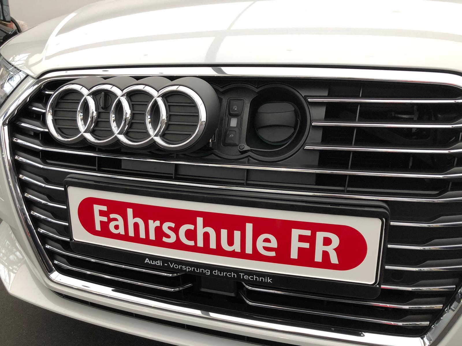 Werksabholung – Audi A3 E-tron